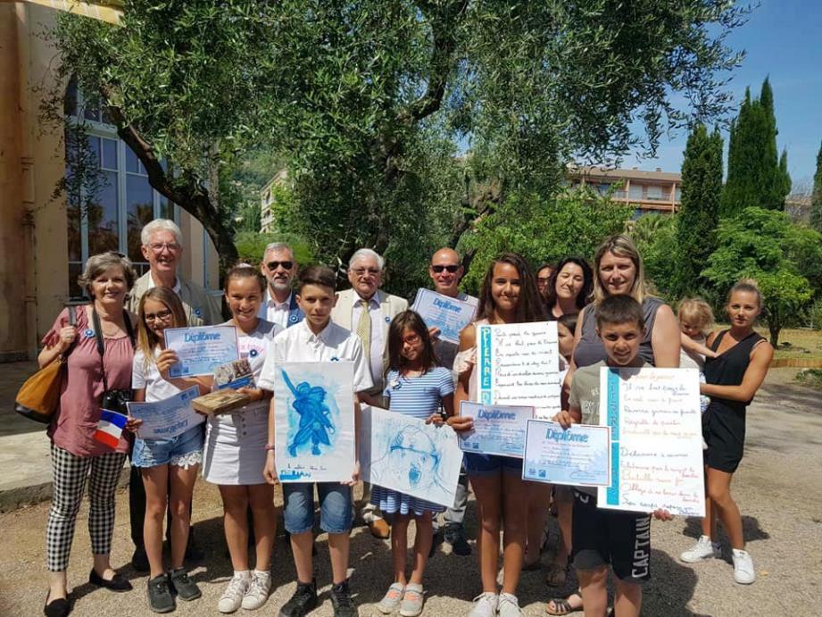 Les élèves de La Plana ont remporté le prix « coup de cœur » du concours national « Les petits artistes de la Mémoire » parmi les six écoles participantes du département.(DR)