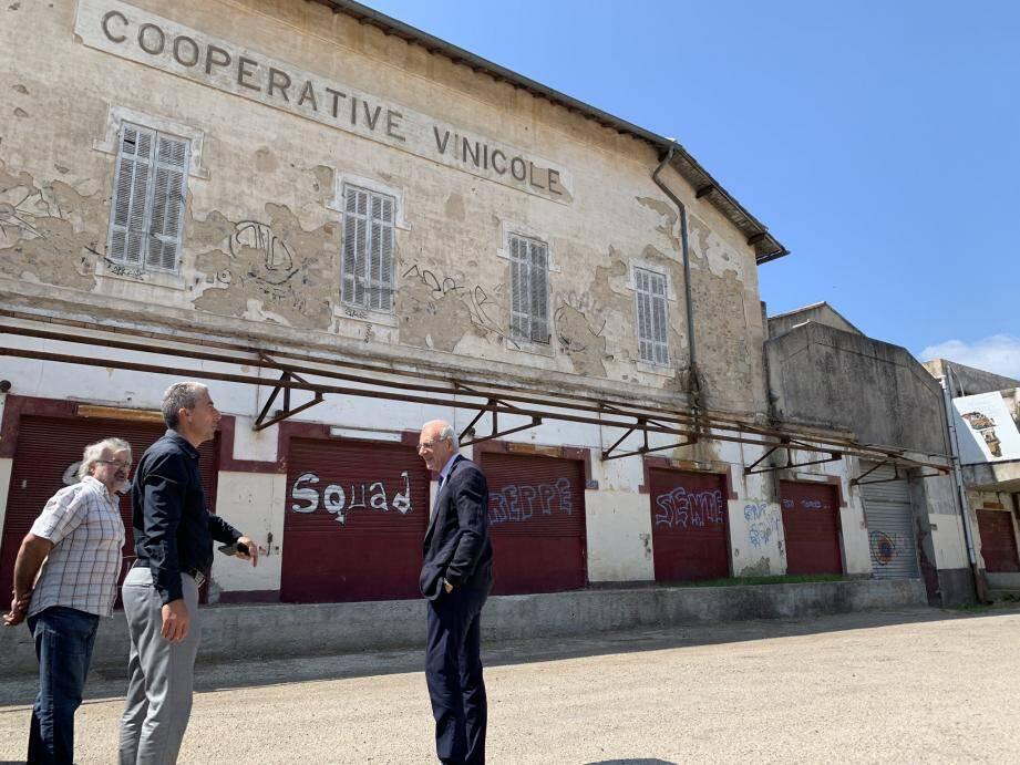Les travaux de l'ancienne cave coopérative sont un des gros chantiers de la commune.