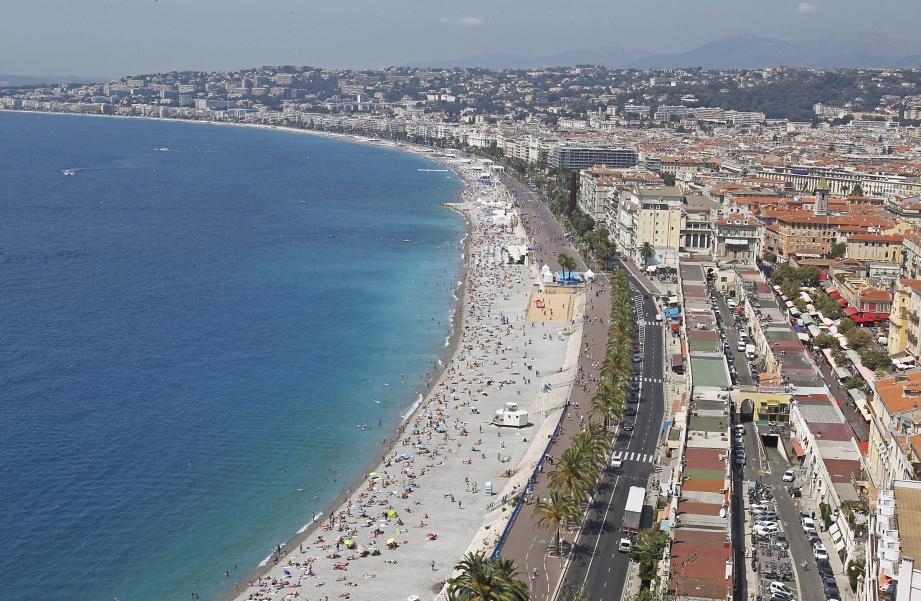 Une vue de la promenade des Anglais, à Nice.