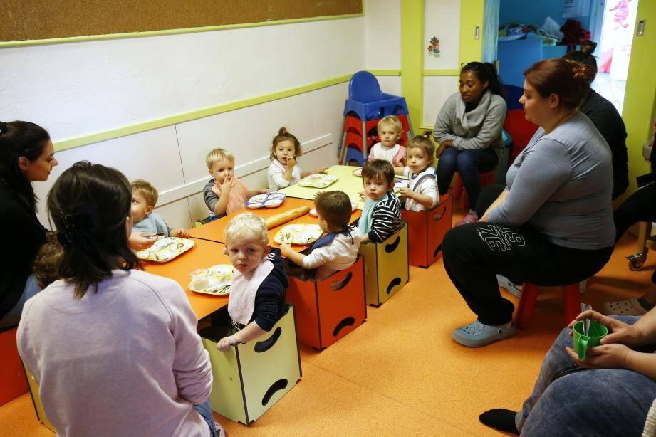 Nombreux sont les parents qui choisissent la crèche collective comme mode de garde.