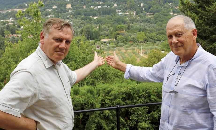 Patrick Delasalle et Alain Leroux, respectivement président et secrétaire de l'Association Saint-Jean - Saint-Mathieu, se font les porte-voix de résidents du quartier excédés par les bruits émanant de soirées organisées par le Mas d'Angèle durant les week-ends depuis l'année dernière.