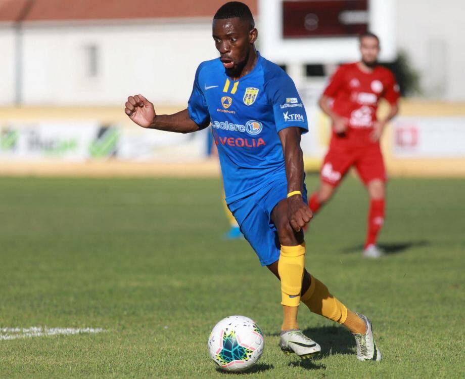 L'avant-centre de l'Etoile  a inscrit douze buts la saison dernière.