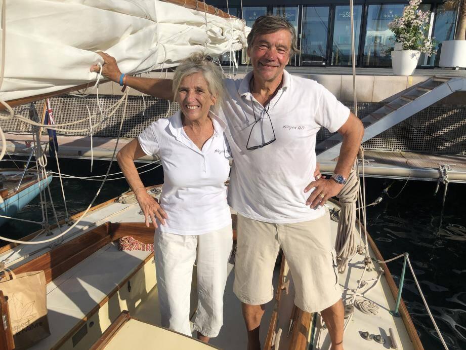 Édith et Marc Frilet, sur l'Alcyon amarré au quai Louis-II.