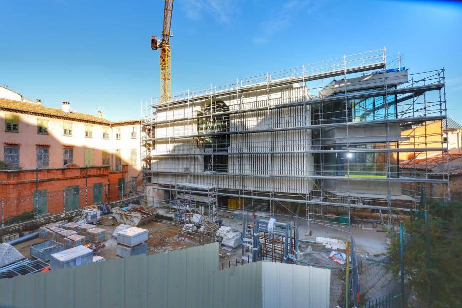 Le chantier de la médiathèque avance à grands pas, au cœur du quartier du Rouachier.