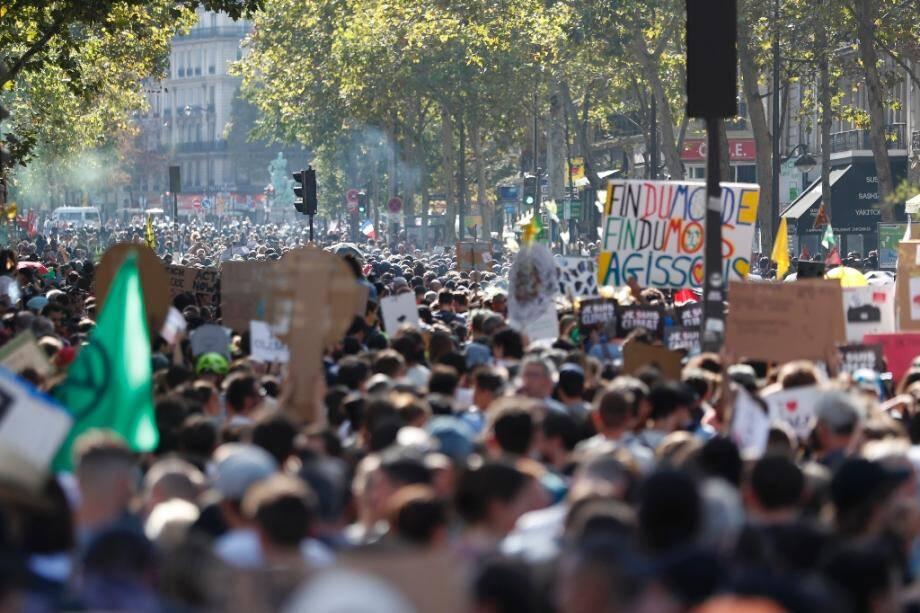 Des participants à la marche pour le climat à Paris, le 21 septembre 2019