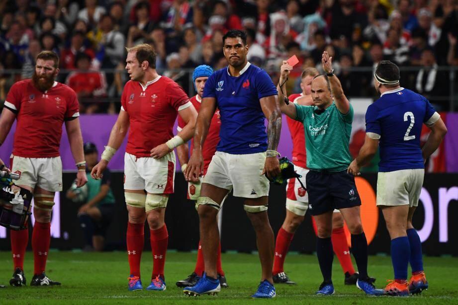 Sébastien Vahaamahina a écopé d'un carton rouge pour son mauvais geste face au Pays de Galles.
