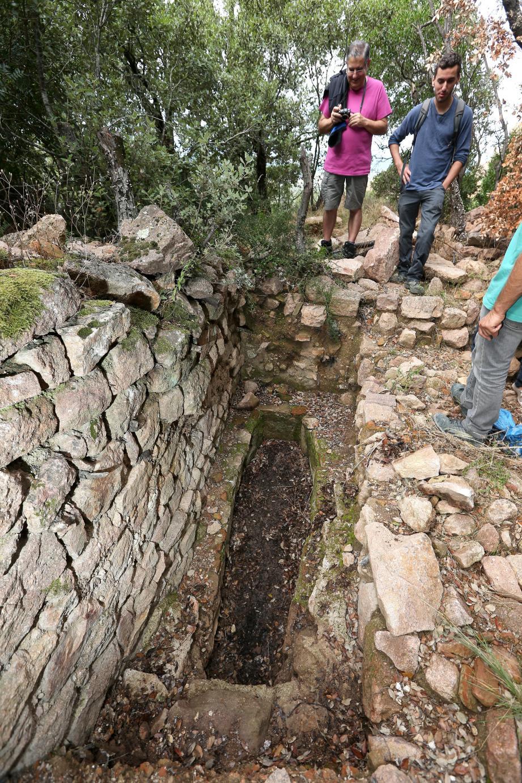 La sépulture d'un homme mort entre l'an 680 et 720 de notre ère.