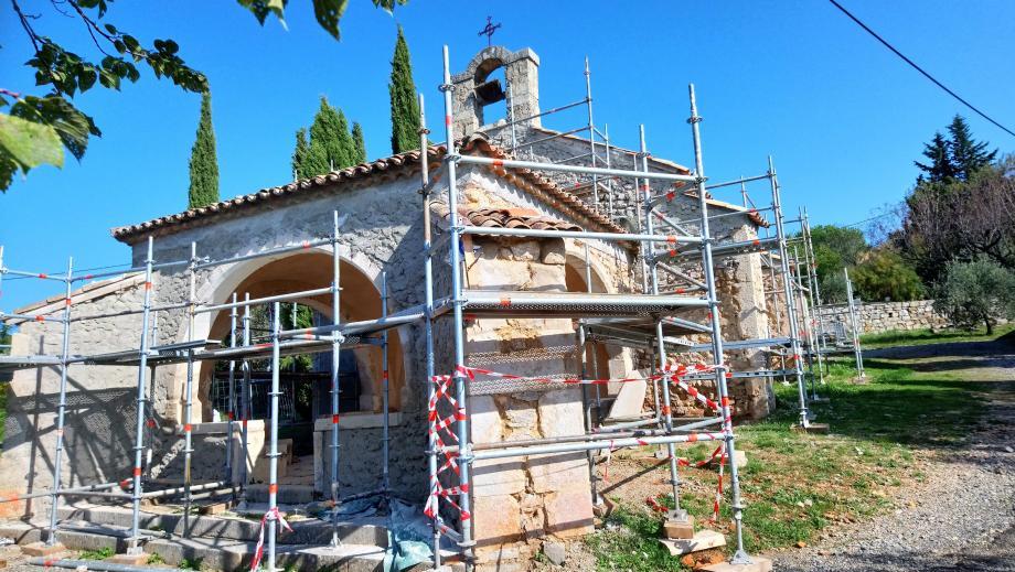 La chapelle qui fait partie du sentier du patrimoine reçoit plusieurs fois par ans des fidèles et des visiteurs, il était nécessaire de la sécuriser.