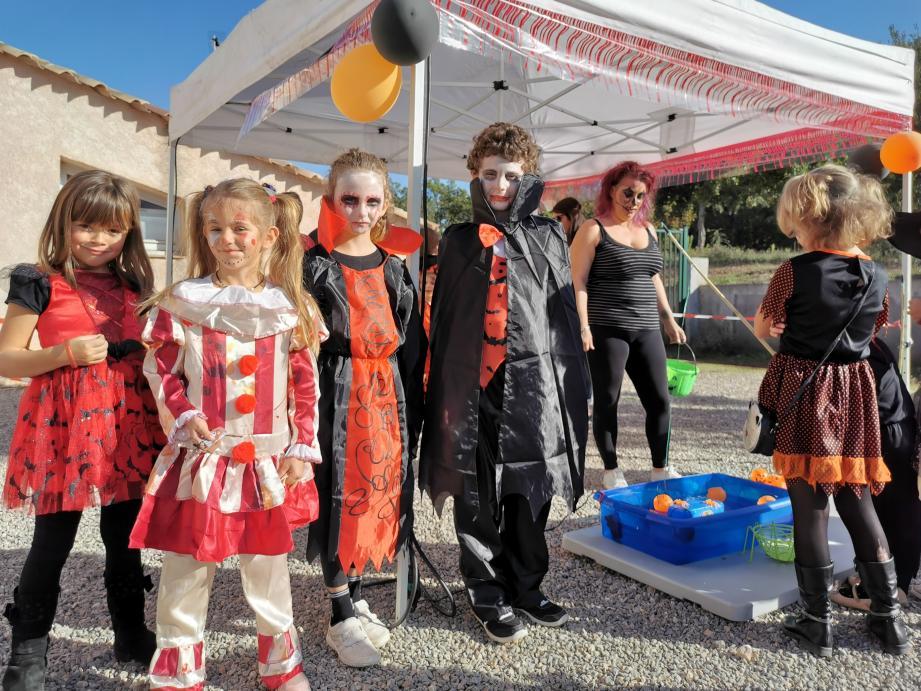 L'association Enchantia a organisé une fête où vampires, zombies et autres sorcières faisaient bonne figure.