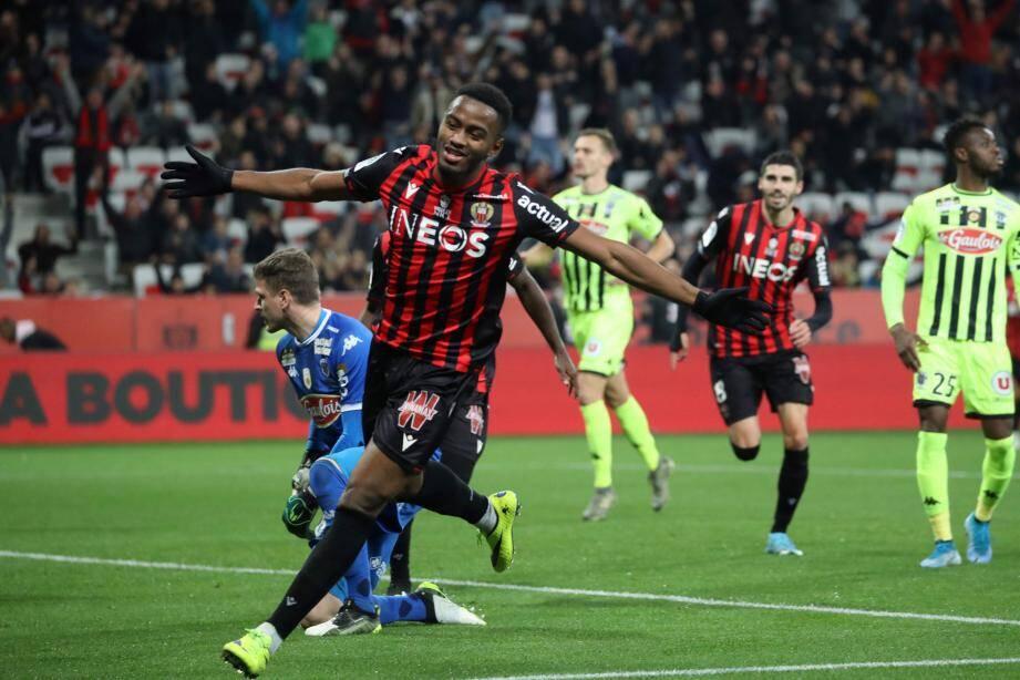 Relancé dans le onze, l'attaquant a inscrit son premier but en Ligue 1 avec le Gym et servi son meilleur match en rouge et noir. Enfin !