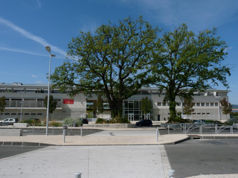 L'incident a eu lieu dans une classe du lycée Janetti à Saint-Maximin.