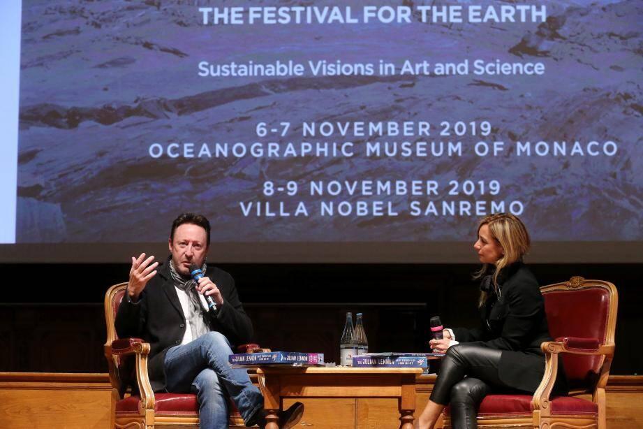 Julian Lennon interviewé par Sandrina L. Rubelli, ce mercredi au Musée océanographique.