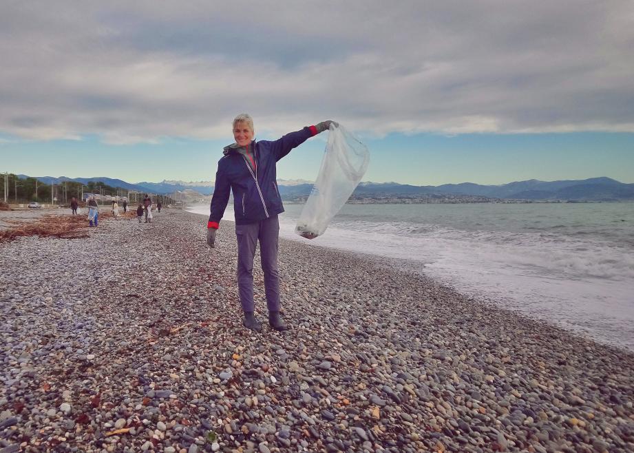 Vous voulez participer au mouvement citoyen de ramassage de déchets sur le littoral ? Pas la peine d'attendre qu'une action soit organisée : les initiatives personnelles remplissent tout aussi bien les sachets !