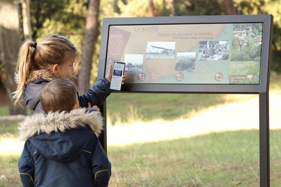 La première table d'information connectée a été inaugurée au mémorial du Mitan, à La Motte, en août dernier.