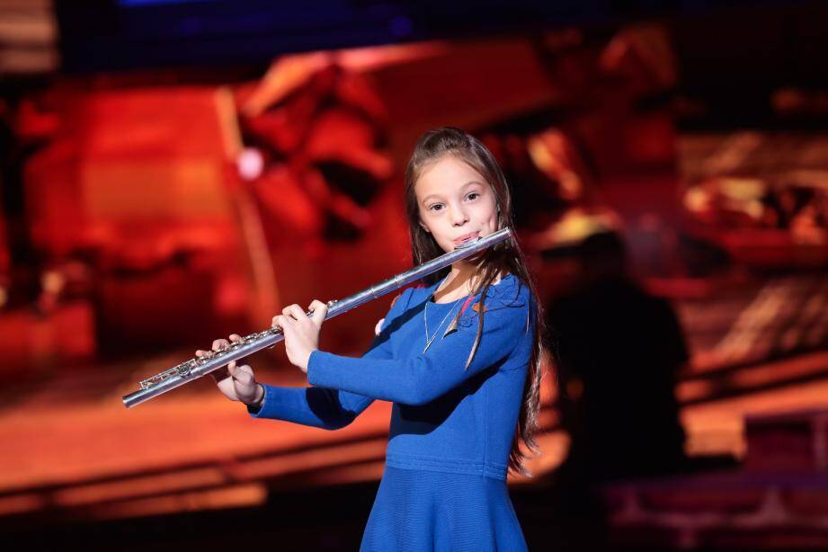 Mélodie, 11 ans, joue de la flûte traversière depuis ses 5 ans et souhaite devenir chef d'orchestre.