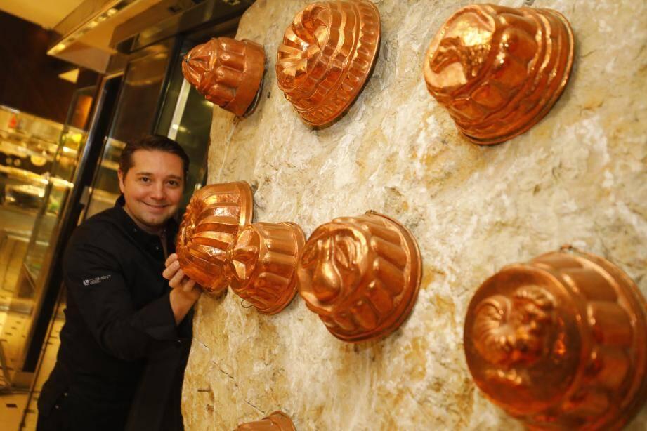 Le Varois Nicolas Decherchi, à nouveau en cuisine pour faire briller la gastronomie azuréenne à l'Oasis. À 38 ans, le « petit prince » des fourneaux se lance avec passion dans ce nouveau challenge.