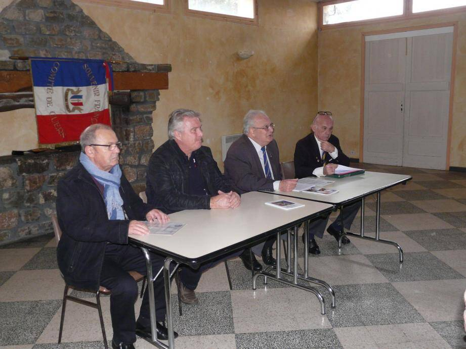 Le président Lafage (2e à d) a présenté le bilan de la section cuersoise.