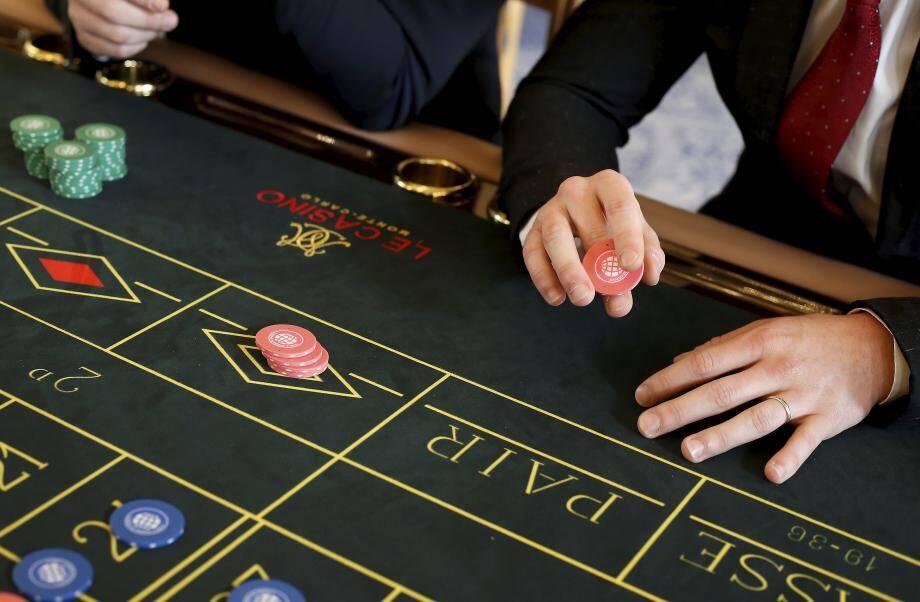 Après avoir gagné la confiance du casino, les deux escrocs ont réclamé 150 000 € puis 270 000 € de jetons supplémentaires.
