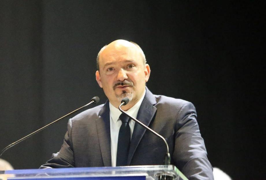 Après avoir présenté les personnes présentes sur sa liste, Frédéric Boccaletti a dévoilé quelques axes de sa campagne basée sur la sécurité, la lutte contre le bétonnage et la défense des traditions provençales.