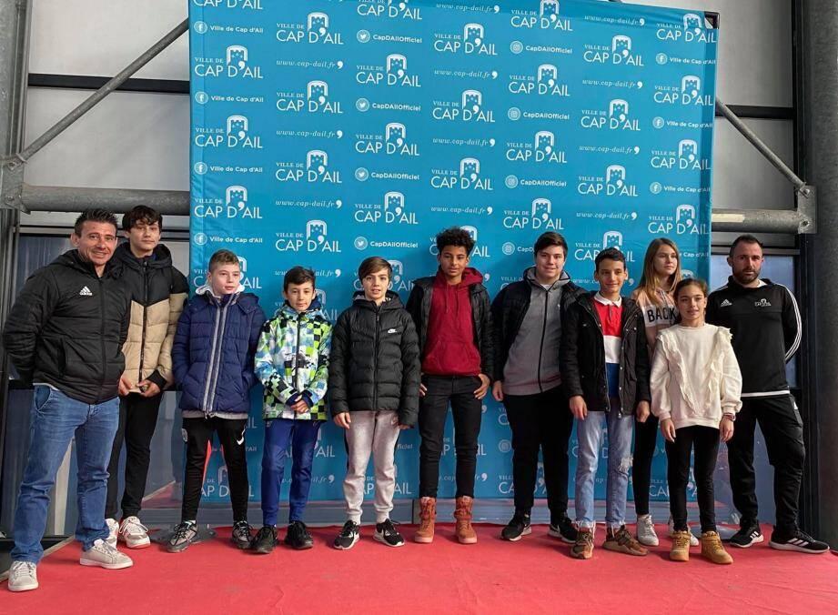 Les ados (11 à 17 ans) qui partaient à Allos avec le Service des sports.