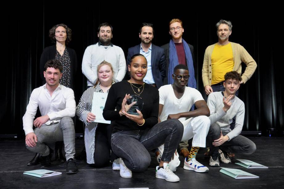 """Jury et finalistes de la première édition """"L'art de dire"""" de la saison Gatti."""