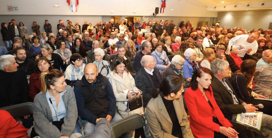 Plus de 350 persones sont venues hier soir salle Léo-Lagrange écouter le long mais très instructif discours du maire sortant Pierre Aschieri pour co-construire avec ses administrés l'avenir de sa commune. Notamment en matière de déplacements doux, d'alimentation, de collecte des déchets ou de solidarité.