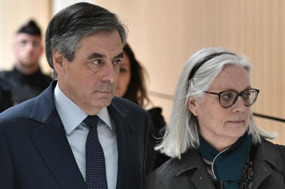 François Fillon et sa femme Penelope arrivent au tribunal, le 27 février 2020 à Paris
