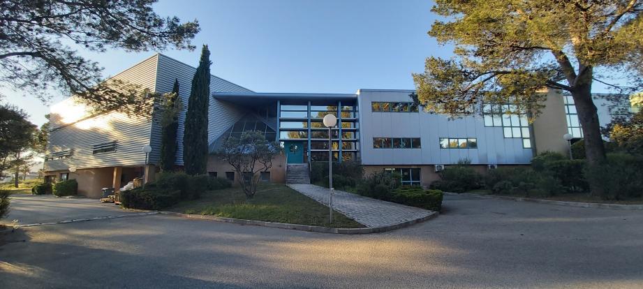 La société de matériel pharmaceutique est implantée depuis une trentaine d'années sur le plateau de Signes.