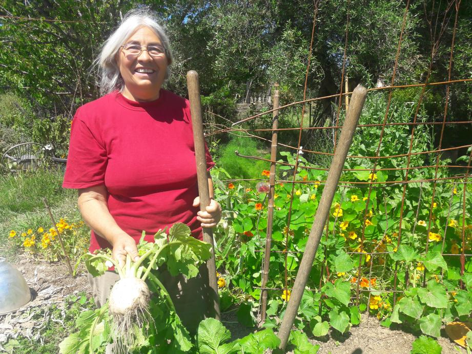 Dominique Viau est agricultrice aux Jardins d'Hyères, aujourd'hui pour demain.