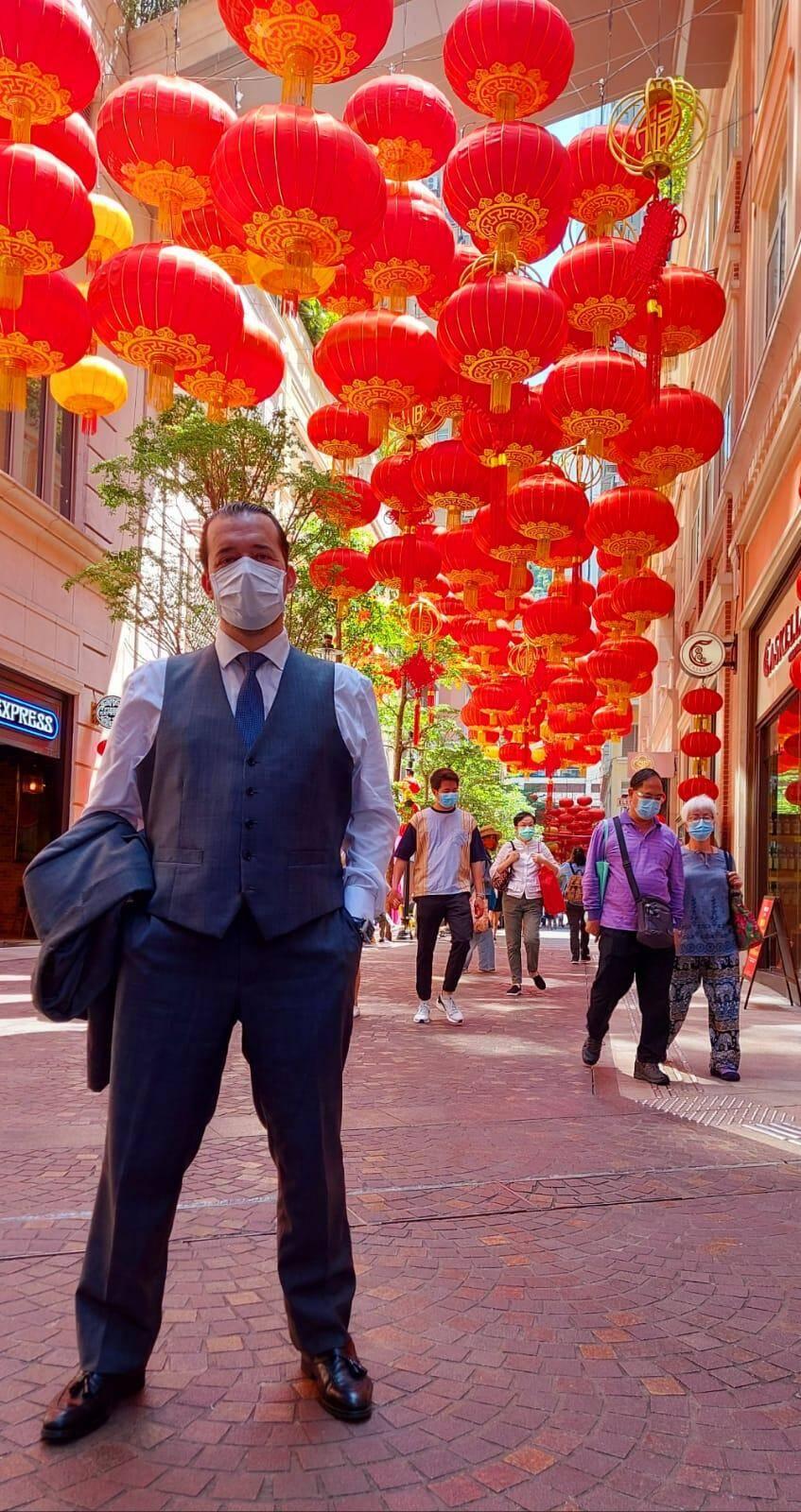 Sébatien Noat au cœur de Hong Kong, où le masque est adopté.