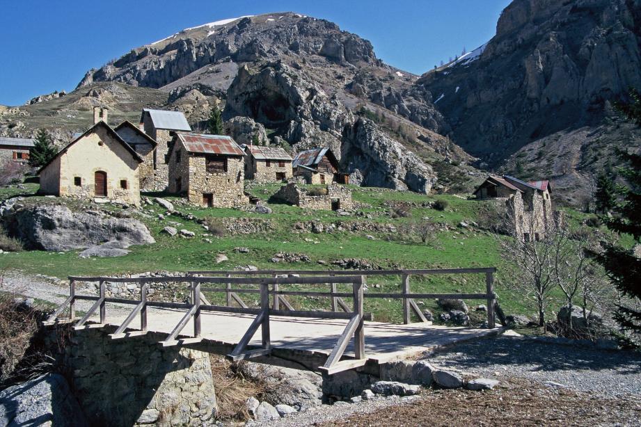 Le hameau de Vignols, au cœur du Mercantour, où le souverain a acheté une bergerie pour en faire sa maison de vacances.