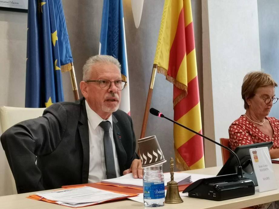 Le maire, Jean-Louis Masson, a présidé la séance. Interdite au public, hier, mais filmée et retransmise en direct sur Internet.