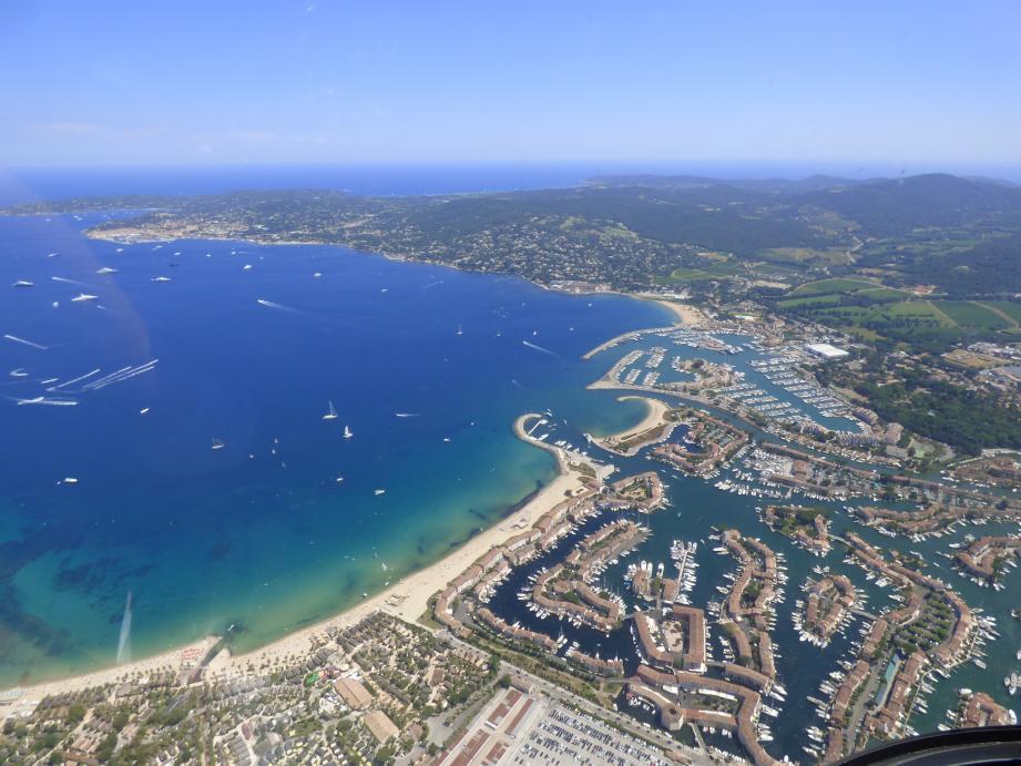 20 000 passagers sur l'année sont transportés par hélicoptères sur le Golfe de Saint-Tropez.