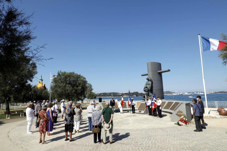 Hier matin, les proches des disparus de la Minerve ont commémoré la découverte de l'épave du sous-marin disparu en janvier 1968.