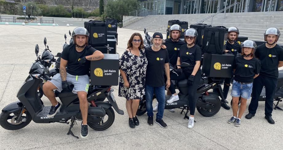 La famille Di Benedetto a créé la toute première plate-forme de livraison de repas à domicile : la machine est en route avec la trentaine de scooters siglés « jai-faim.com ».