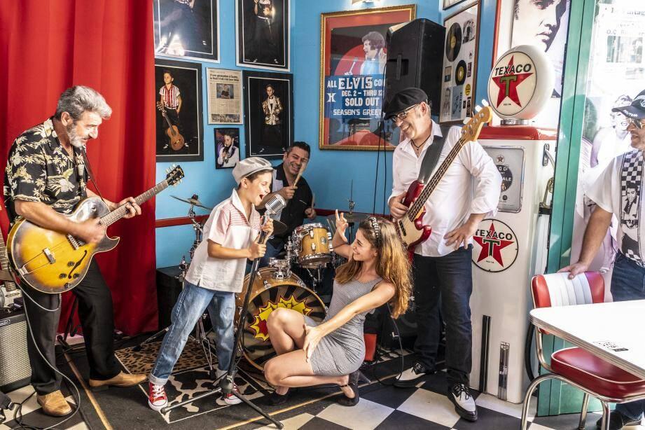 Matty rock et Baby J lors du tournage du clip au restaurant le Vintage.