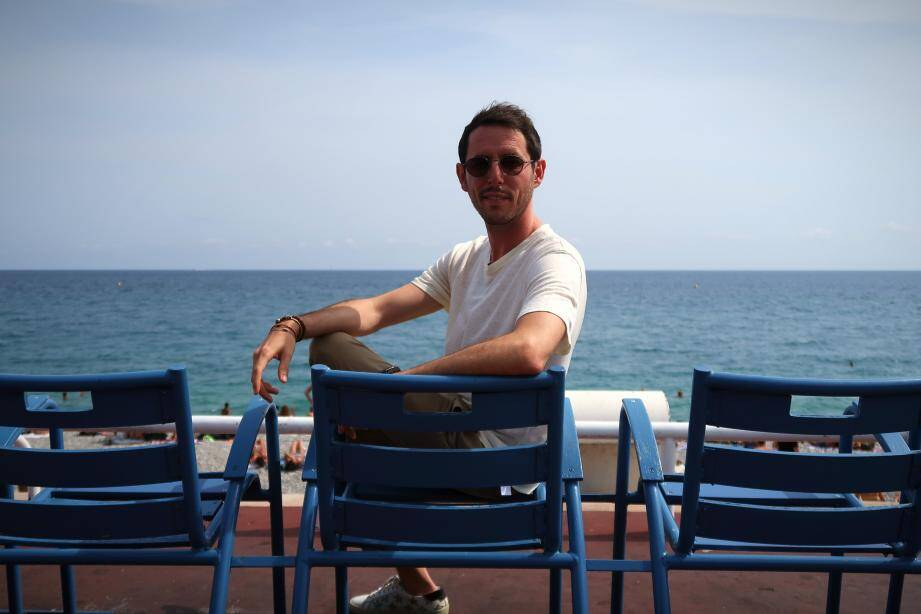 La veille de son live depuis la tour Bellanda, The Avener était de passage au Hard Rock Café Nice pour une session d'interviews