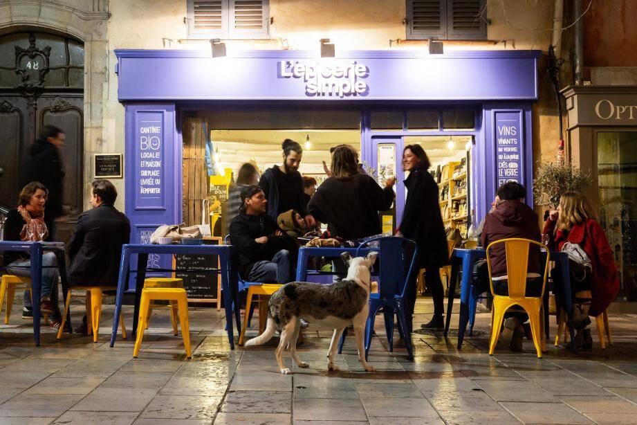 L'épicerie simple à Toulon