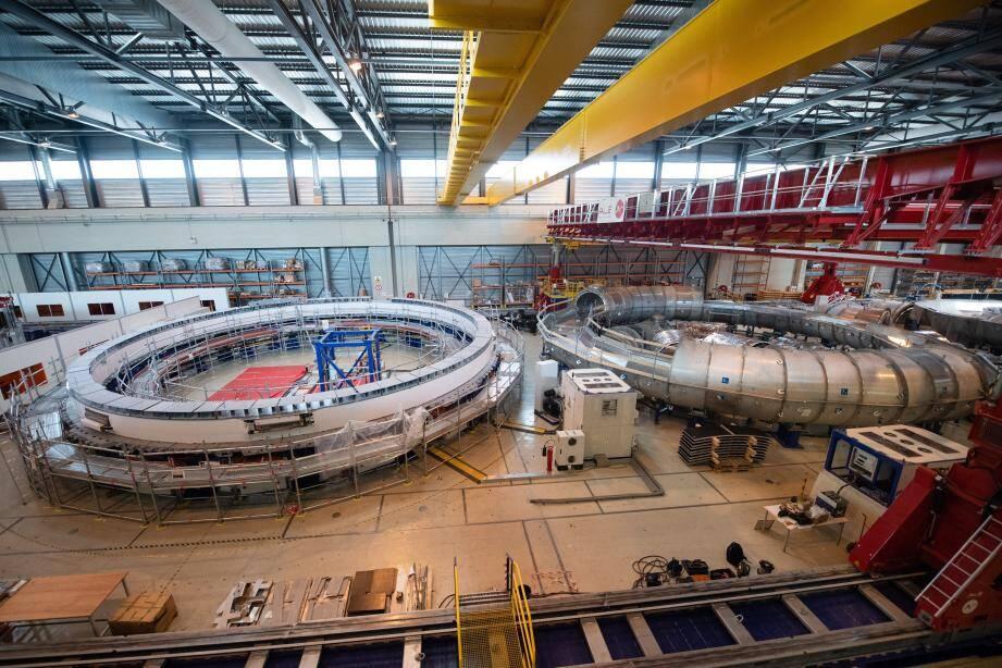 Le réacteur de type tokamak, qui doit permettre la fusion nucléaire.