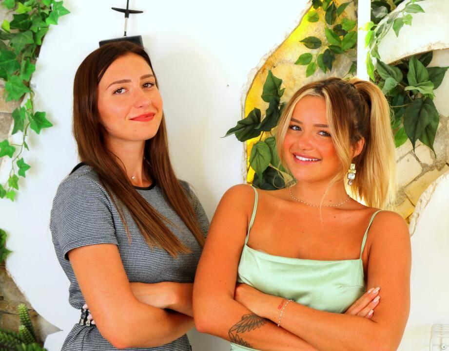 Après des mois de préparation, Victoria Mehault (à droite) et sa bonne copine Laury Calais sont en passe de réaliser leur rêve.