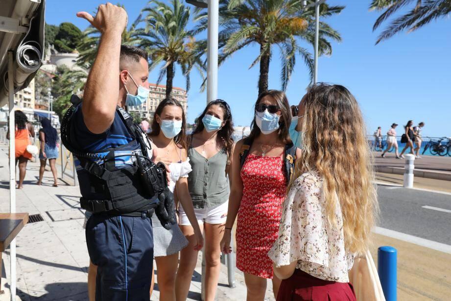 Dans Nice, le port du masque est obligatoire dans le centre de la ville alors qu'à La Gaude ou à Vence l'interdiction cible notamment la zone d'activités ou les marchés.