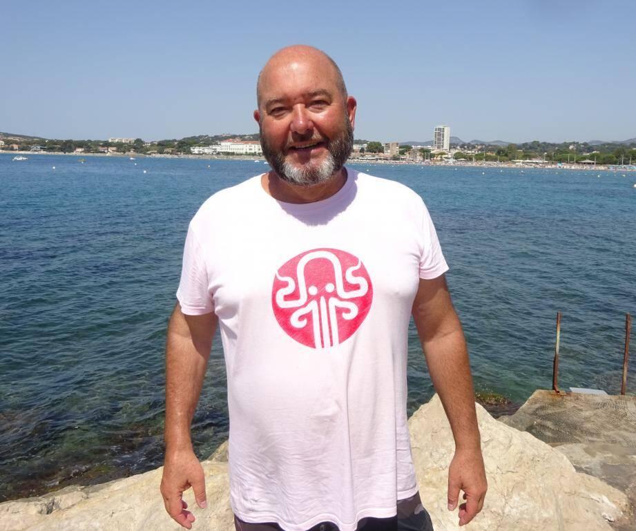 """Lorsqu'il n'est pas sur les planches ou devant une caméra, Stéphane Martinet, également connu sous le pseudo """"Poulpy"""" sur You Tube (La Chaîne Varoise), est moniteur bénévole au CSMS de La Seyne."""