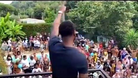 Sur les réseaux sociaux, les vidéos de la fête organisée dans une maison de Cagnes-sur-Mer ont été relayées.