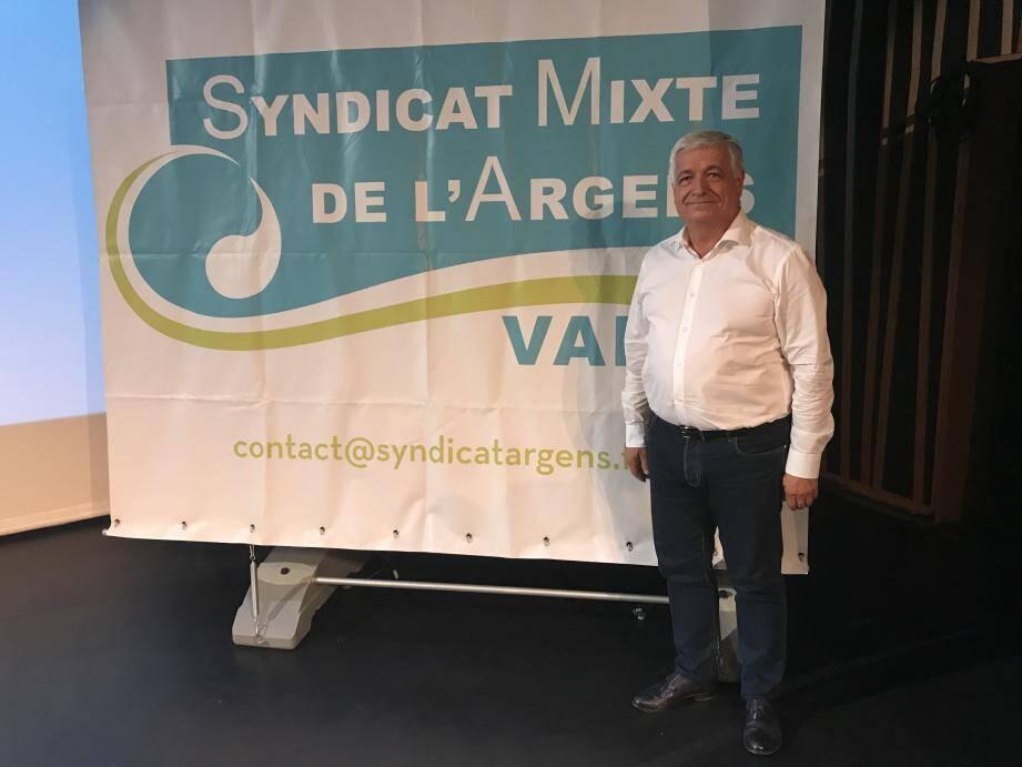 """Le maire de Brignoles assure vouloir """"poursuivre le travail de façon collégiale""""."""