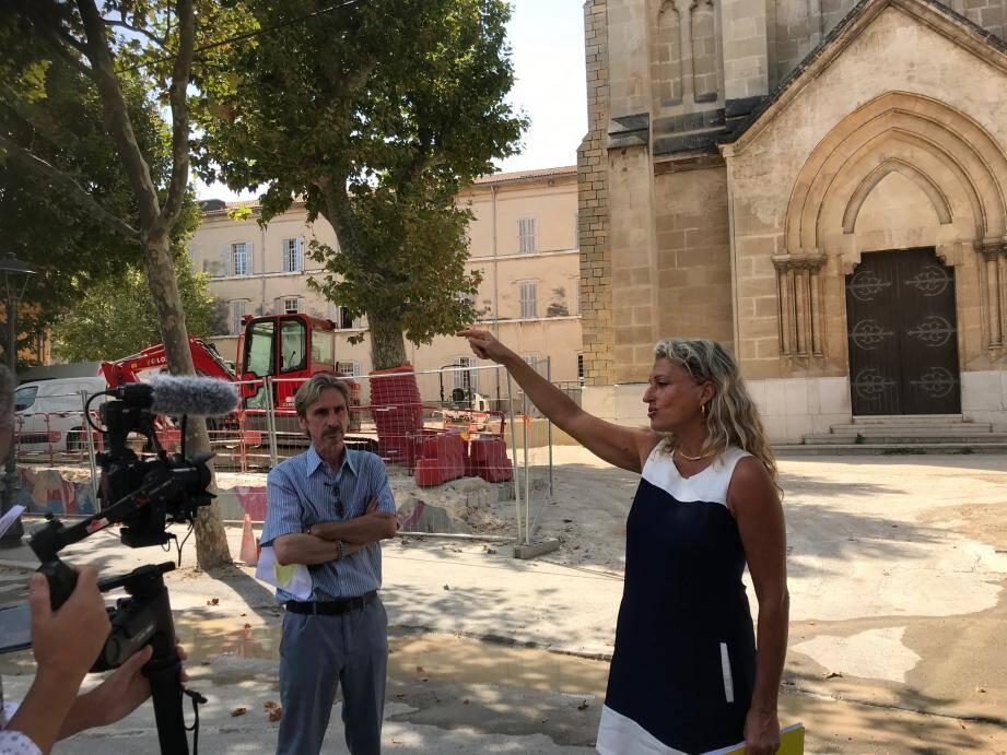 La maire Nathalie Bicais venue constater l'avancée du chantier.