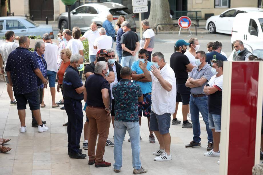 Face à Philippe Héry l'adjoint à la sécurité, Eric Cicéron (en chemise blanche), représentant les forains, a montré les dents. Mais la Saint-Ferréol reste pour le moment annulée.