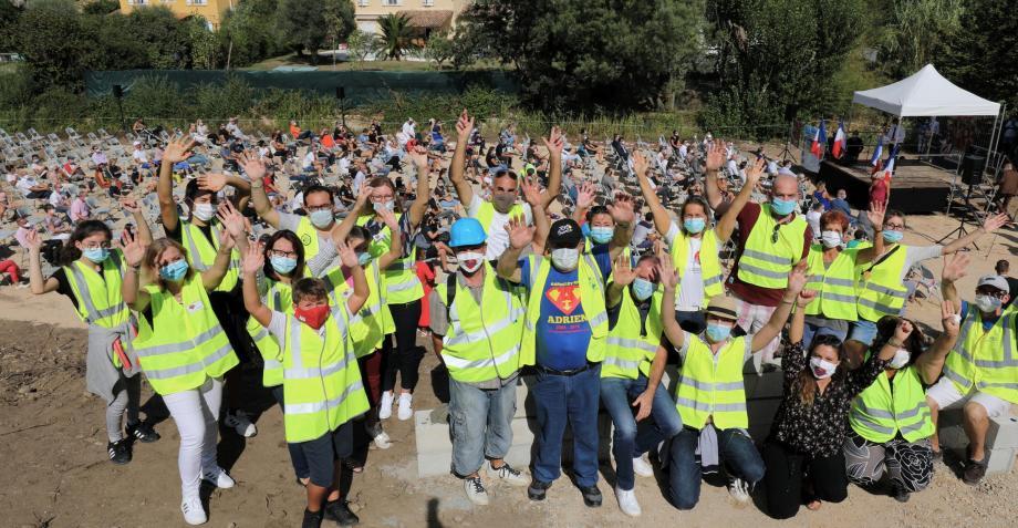 Les nombreux bénévoles étaient au rendez-vous samedi matin! Au total, plus de 350 personnes sont venues soutenir le projet de René Molines.