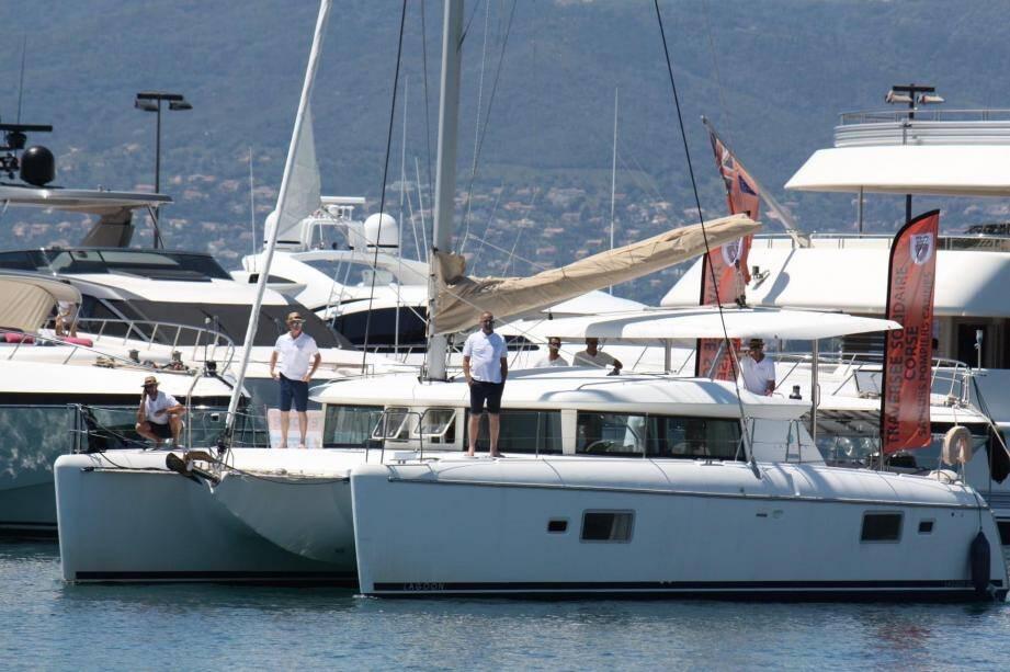 L'Anahita, catamaran de 42 pieds, un voilier idéal pour une traversée solidaire.