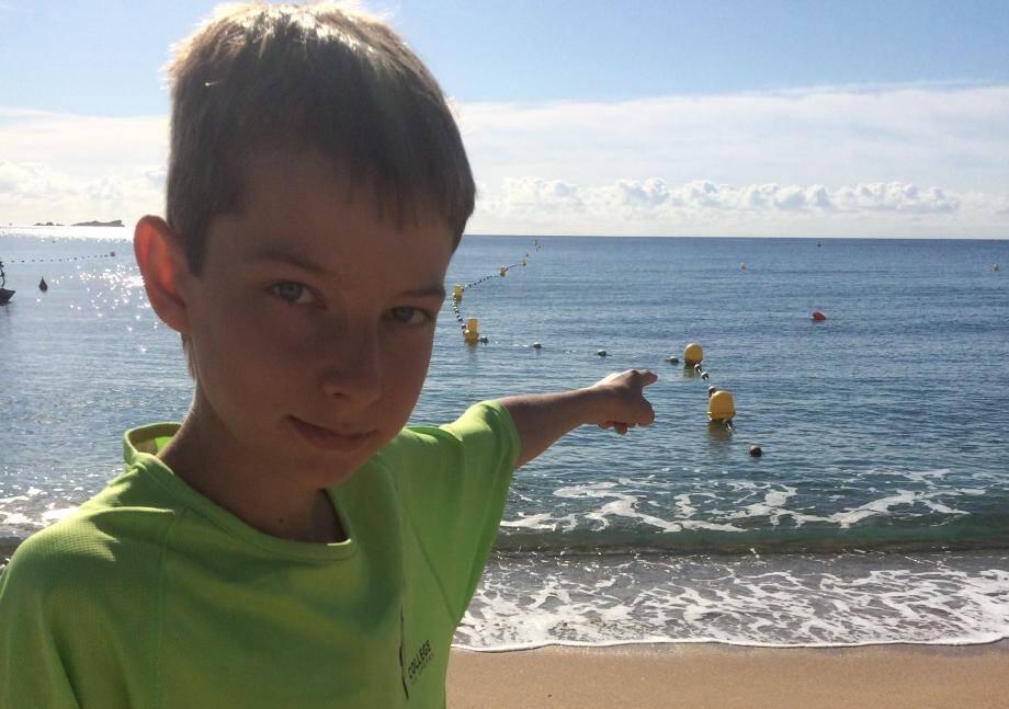 Raphaël, 12 ans, est tombé sur cette bombe alors qu'il se baignait à la Base nature à Fréjus.