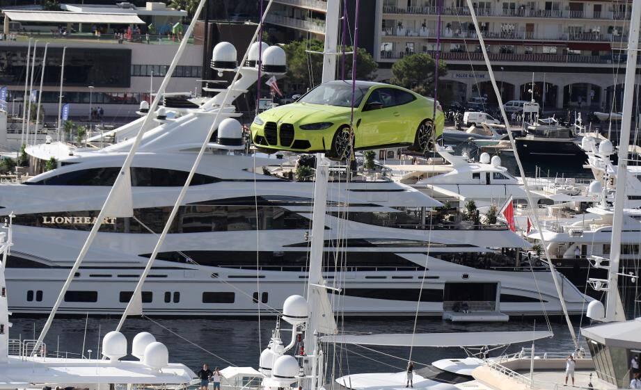 L'appareil a décollé de l'héliport de Fontvieille destination le Yacht-club de Monaco.
